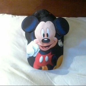 Disney Mickey Mouse Hat (great condition)
